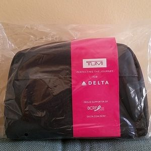 NWT TUMI DELTA 1ST CLASS Amenity Kit NewestVersion